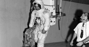 apollo-13-astronaut-james-lovel-during-lunar-surface-simulation-training-db8795-1024