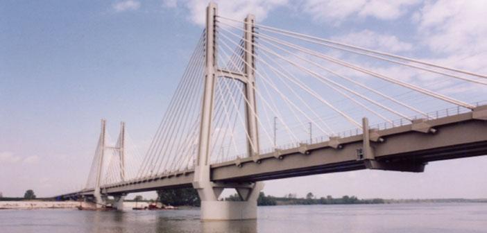 Il ponte ferroviario strallato sul fiume po for Disegni di ponte a 2 livelli